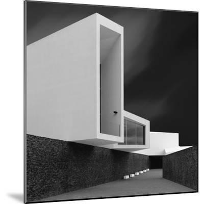 White Walls-Olavo Azevedo-Mounted Photographic Print