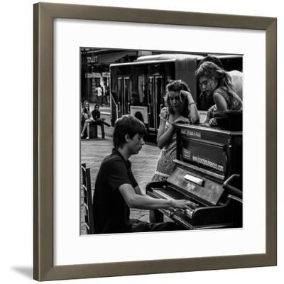 Jouez-Vitaliy-Framed Photographic Print
