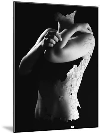 Killing Me Softly-Elior Segev-Mounted Photographic Print