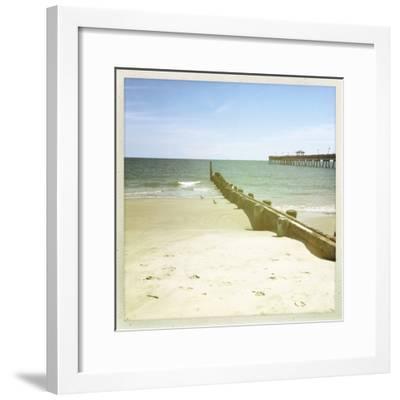 Bay View III-Alicia Ludwig-Framed Photographic Print