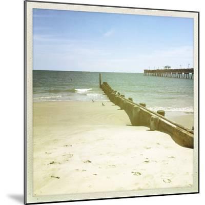 Bay View III-Alicia Ludwig-Mounted Photographic Print