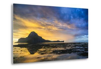 Dramatic Sunset Light over the Bay of El Nido, Bacuit Archipelago, Palawan, Philippines-Michael Runkel-Metal Print