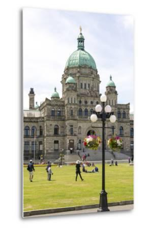 Canada, British Columbia, Victoria. Tourists on Lawn in Front of Parliament Building-Trish Drury-Metal Print