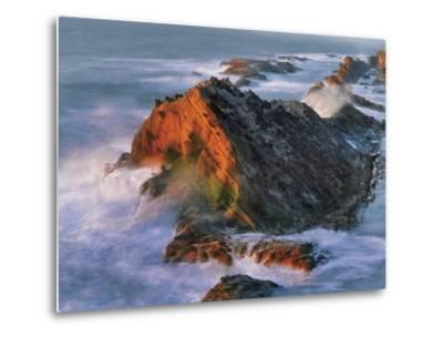 USA, Oregon, Shore Acres State Park. Sunset Light on Ocean Shore Cliffs-Jaynes Gallery-Metal Print