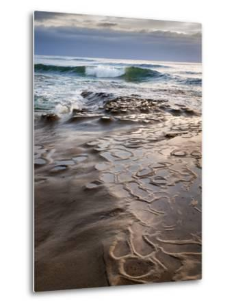 USA, California, La Jolla, Wave Breaking Toward Tide Pools at Coast Blvd-Ann Collins-Metal Print