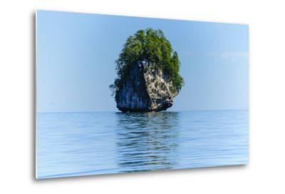 Rocky Outcrops in the Bacuit Archipelago, Palawan, Philippines-Michael Runkel-Metal Print