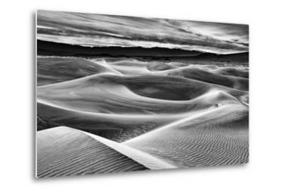 USA, California, Death Valley National Park, Dawn over Mesquite Flat Dunes in Black and White-Ann Collins-Metal Print