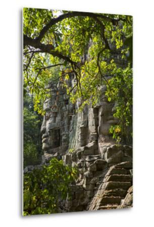 Buddha Face on the Western Gate of Angkor Thom, Siem Reap, Cambodia, Southeast Asia-Alex Robinson-Metal Print