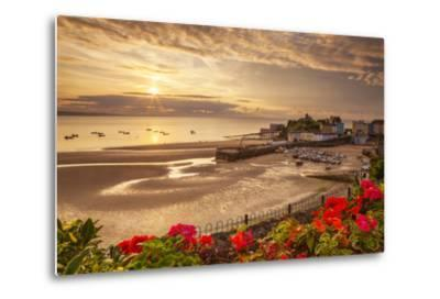 Tenby, Pembrokeshire, Wales, United Kingdom, Europe-Billy Stock-Metal Print