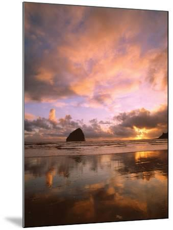 Pacific City V-Ike Leahy-Mounted Photographic Print