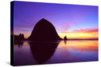 Cannon Beach I-Ike Leahy-Stretched Canvas Print