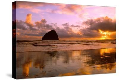 Pacific City III-Ike Leahy-Stretched Canvas Print