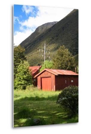 New Zealand, South Island, Arthur's Pass National Park, Barn-Catharina Lux-Metal Print