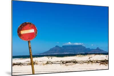 South Africa, Cape Town, Table Mountain, Rusted Sign-Catharina Lux-Mounted Photographic Print