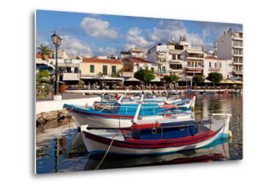 Greece, Crete, Agios Nikolaos, Lake Voulismeni, Fishing Boats-Catharina Lux-Metal Print