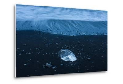 Jškulsarlon, Iceberg Remains on the Atlantic Beach-Catharina Lux-Metal Print