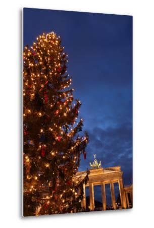 Germany, Berlin, the Brandenburg Gate, Night, Christmas Tree-Catharina Lux-Metal Print