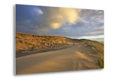 Stroller in the Costal Cliffs at the 'Rotes Kliff' on the Island of Sylt in the Evening Light-Uwe Steffens-Metal Print