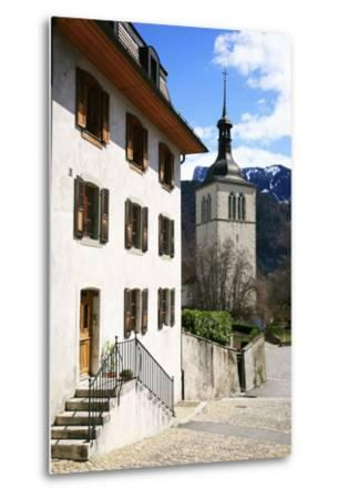 Switzerland, Fribourg, Gruy?res in the Swiss Canton Fribourg, View of Town with Church-Uwe Steffens-Metal Print