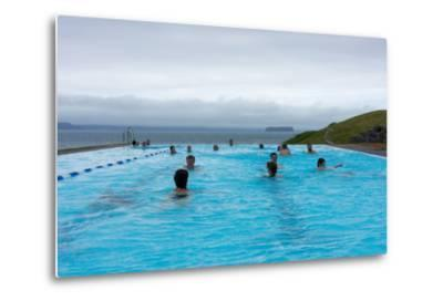 Swimming Pool in Hšfsos-Catharina Lux-Metal Print