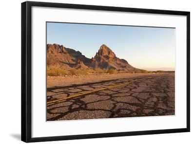 USA, Arizona, Route 66, Black Mountains, Street-Catharina Lux-Framed Photographic Print