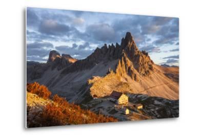 Europe, Italy, South Tyrol, the Dolomites, Paternkofel, Dreizinnenh?tte-Gerhard Wild-Metal Print