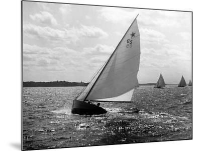 Tara - Star Class Race of 1922-Edwin Levick-Mounted Photographic Print