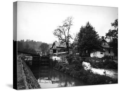 Weverton, Maryland-Edward Hungerford-Stretched Canvas Print