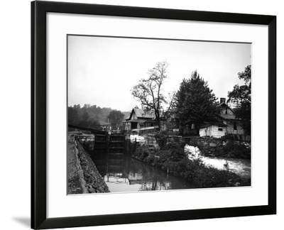 Weverton, Maryland-Edward Hungerford-Framed Photographic Print
