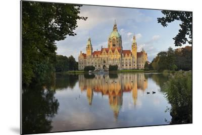 New Town Hall, Maschteich, Machpark, Hanover, Lower Saxony, Germany-Rainer Mirau-Mounted Photographic Print