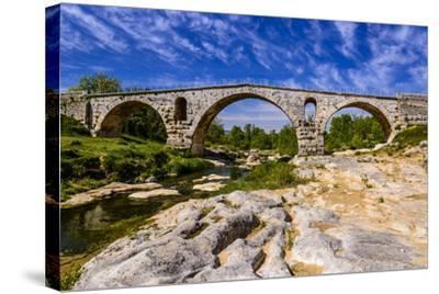 France, Provence, Vaucluse, Bonnieux, River Calavon, Roman Stone Arched Bridge Pont Julien-Udo Siebig-Stretched Canvas Print