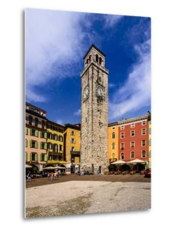 Italy, Trentino South Tyrol, Trentino, Lake Garda, Riva Del Garda, Torre Apponale-Udo Siebig-Metal Print