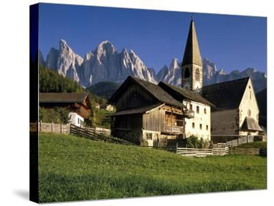 Italien, Sv¼dtirol, Dolomiten, Villnv?VŸtal, St. Magdalena, Geislerspitzen, Berglandschaft-Thonig-Stretched Canvas Print