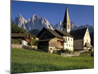 Italien, Sv¼dtirol, Dolomiten, Villnv?VŸtal, St. Magdalena, Geislerspitzen, Berglandschaft-Thonig-Mounted Photographic Print