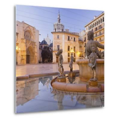 Spain, Valencia, Plaza De La Virgen, Turia Fountain, Catedral De Santa Mar'a De Valencia-Rainer Mirau-Metal Print