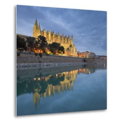 Spain, Majorca, Catedral De Palma De Majorca, Water-Rainer Mirau-Metal Print