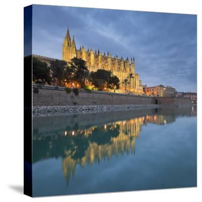 Spain, Majorca, Catedral De Palma De Majorca, Water-Rainer Mirau-Stretched Canvas Print
