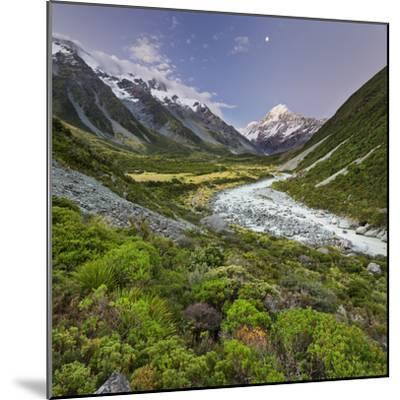 Aoraki, Hooker River, Mount Cook National Park, Canterbury, South Island, New Zealand-Rainer Mirau-Mounted Photographic Print