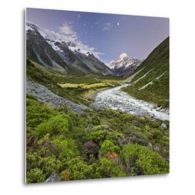 Aoraki, Hooker River, Mount Cook National Park, Canterbury, South Island, New Zealand-Rainer Mirau-Metal Print