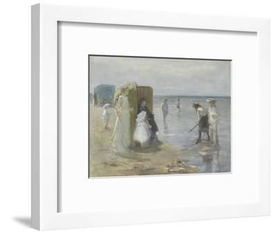 Beach of Scheveningen, with Two Ladies and Children, by Johan Antonie De Jonge, C. 1890-1920-Johan Antonie de Jonge-Framed Giclee Print