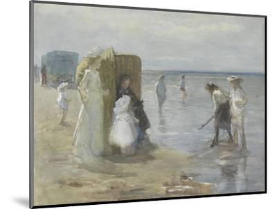 Beach of Scheveningen, with Two Ladies and Children, by Johan Antonie De Jonge, C. 1890-1920-Johan Antonie de Jonge-Mounted Giclee Print