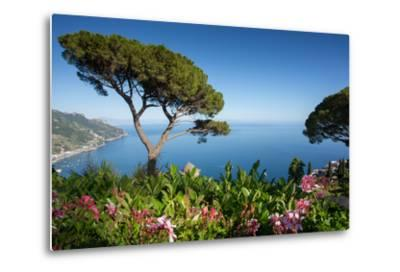 Villa Rufolo, Ravello, Costiera Amalfitana (Amalfi Coast), UNESCO World Heritage Site, Campania-Frank Fell-Metal Print