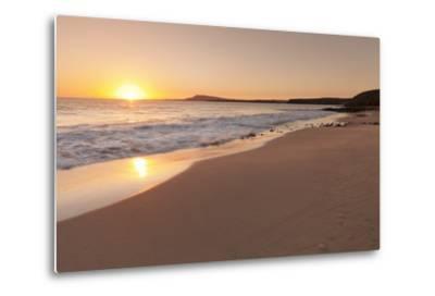 Playa Papagayo Beach at Sunset, Near Playa Blanca, Lanzarote, Canary Islands, Spain-Markus Lange-Metal Print