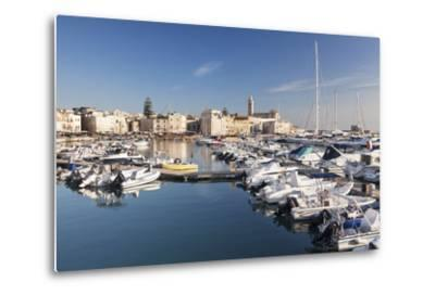 View over the Harbour to San Nicola Pellegrino Cathedral, Trani, Le Murge-Markus Lange-Metal Print
