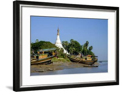 Banks of the River Salouen (Thanlwin), Mawlamyine (Moulmein), Myanmar (Burma), Asia-Nathalie Cuvelier-Framed Photographic Print