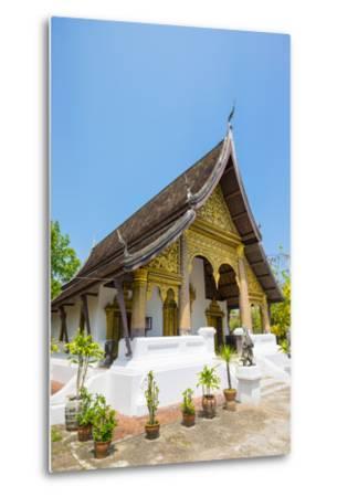 Wat Choumkhong Buddhist Temple, Luang Prabang, Louangphabang Province, Laos, Indochina-Jason Langley-Metal Print