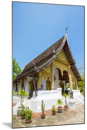Wat Choumkhong Buddhist Temple, Luang Prabang, Louangphabang Province, Laos, Indochina-Jason Langley-Mounted Photographic Print