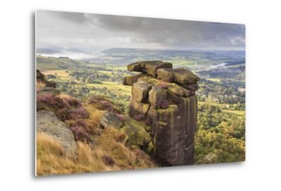 Curbar Edge, Summer Heather, View Towards Chatsworth, Peak District National Park, Derbyshire-Eleanor Scriven-Metal Print