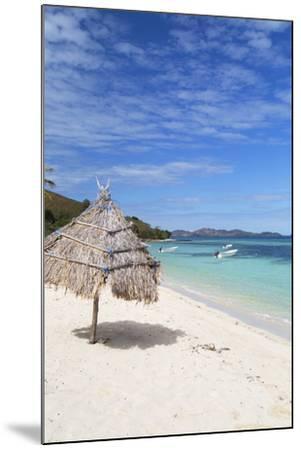 Beach on Mana Island, Mamanuca Islands, Fiji, South Pacific, Pacific-Ian Trower-Mounted Photographic Print