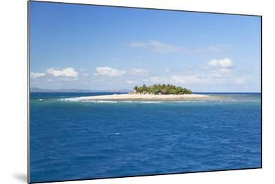 South Seas Island, Mamanuca Islands, Fiji, South Pacific, Pacific-Ian Trower-Mounted Photographic Print